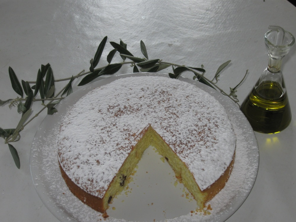 Rustic cake with extra virgin olive oil