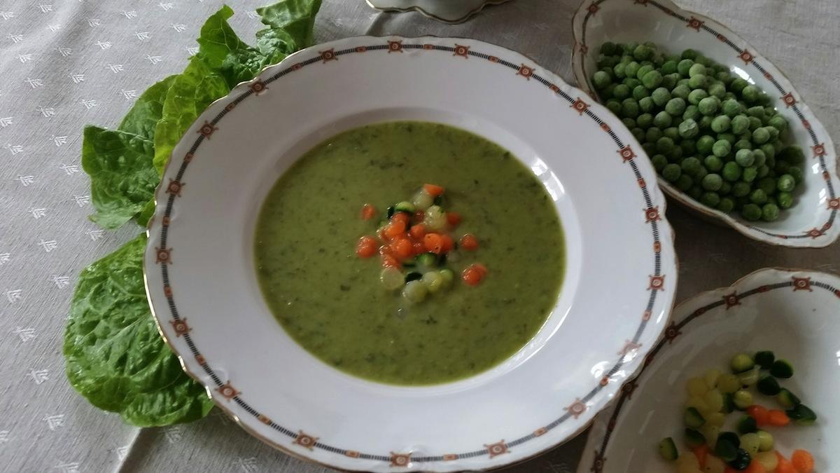 crema di lattuga con perle di verdure1